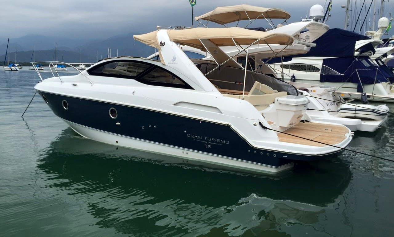 35' Beneteau Motor Yacht Charter in Paraty, Brazil