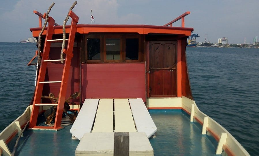 Guided Boat Trip for Large Group in Makassar