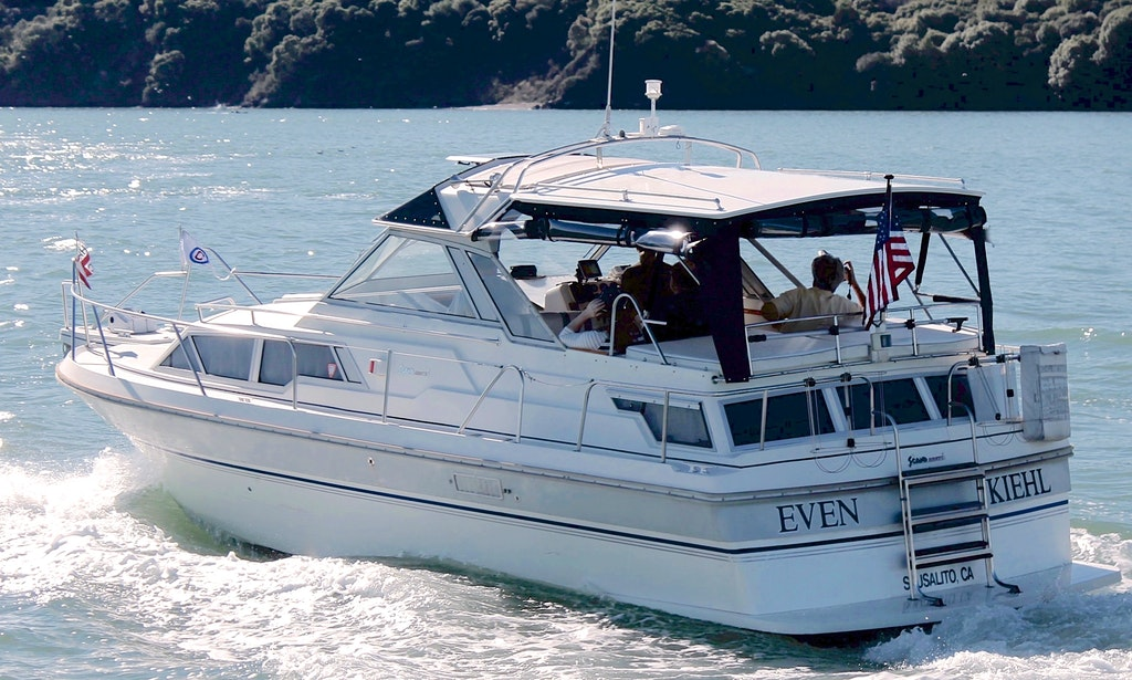 Even kiehl small classy captained charter boat in san for Motor boat rental san francisco