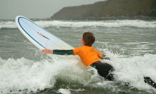 Private And Group Surf Lessons With Sarah In England, Uk