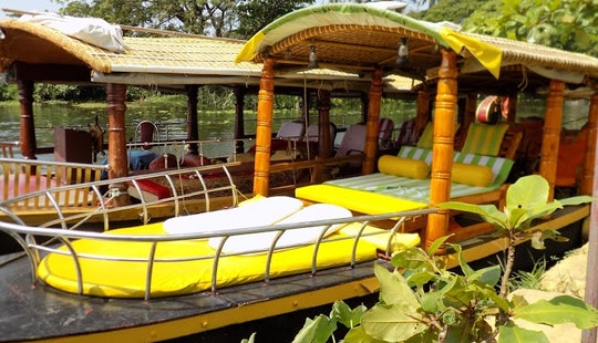 Daily Alappuzha Backwater Tour Aboard Shikara Boat For 10 People
