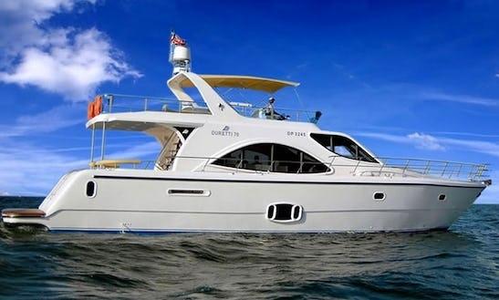 Charter Duretti 70 White Power Yacht In Dubai, Uae