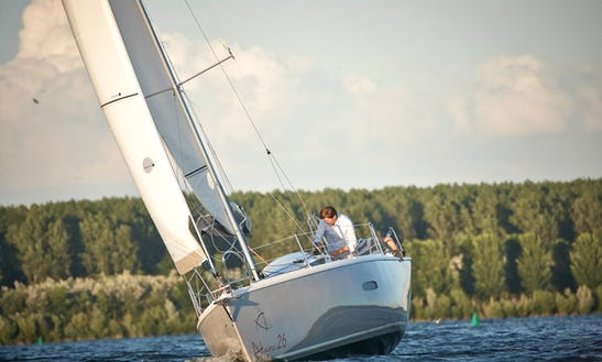 26' Cruising Monohull Rental In Almere