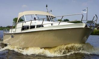 32 ft Marmeralk Delos Cruiser Motor Yacht Charter in IJsselstein