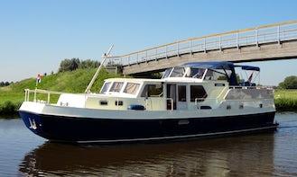 34' Kingfisher Delos 1430 Motor Yacht Charter in IJsselstein