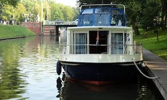 Charter 39' Houseboat 1200 in IJsselstein