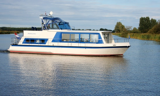 39' Safari Houseboat 1200 Houseboat Rental In Ijlst, Netherlands