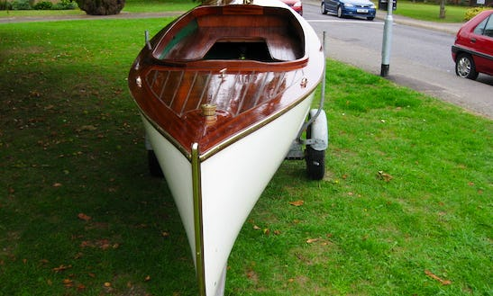 Rent 18' Frolic Electric Boat In Seattle, England