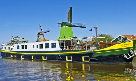 129' La Nouvelle Etoile Canal Boat With 4 Twin Staterooms