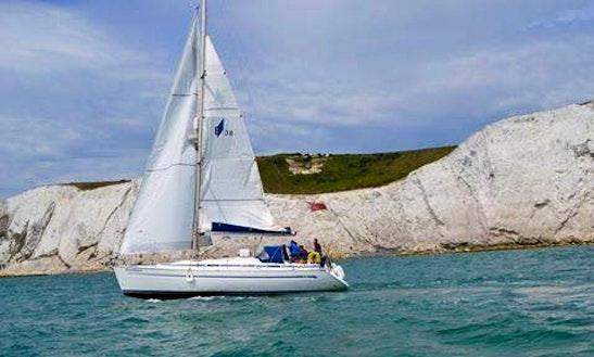 Bavaria 38' Cruising Monohull Charter In Dover