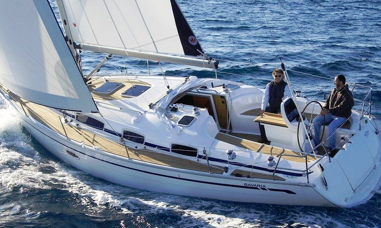 Charter 37' Cruising Monohull in Bermeo, Spain