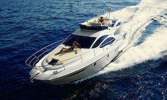 42' Azimut Luxury Yacht