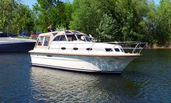 30' Almeria 850 Motor Yacht In Flevoland, Netherlands