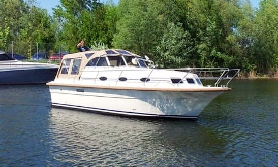 Explore Flevoland, Netherlands On 30' Almeria 850 Motor Yacht