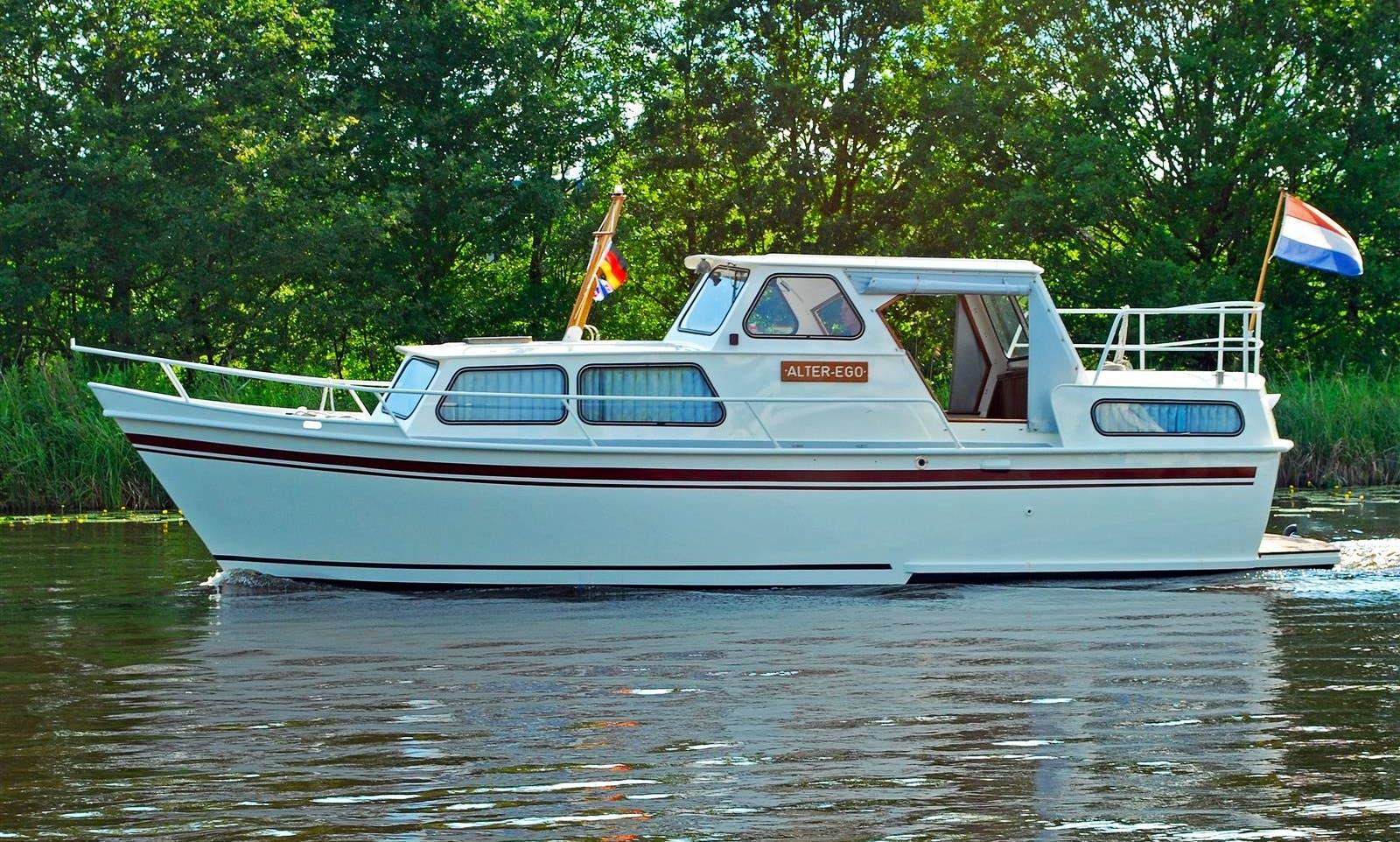 Enjoy Friesland, Netherlands on 30' Motor Yacht