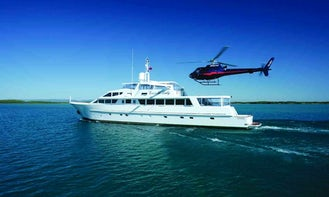 """Charter Cruise on """"Emerald Lady"""" Super Yacht in Queensland, Australia"""