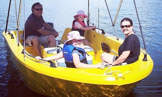 Self Drive 11' Motor Boat Rental in Benaraby, Australia