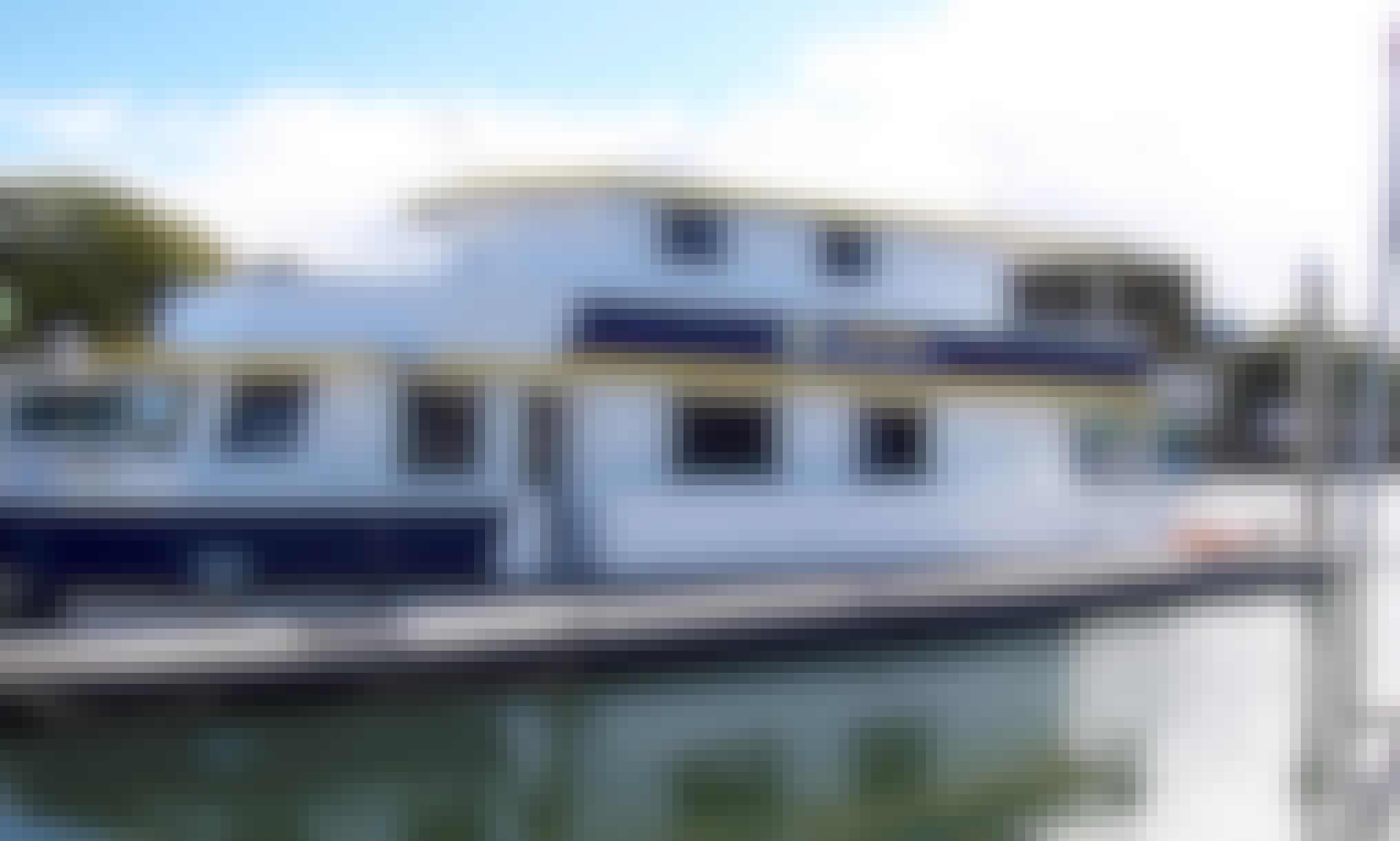 "Enjoy Cruising On ""Island Dream"" Houseboat In Tweed Heads, Australia"