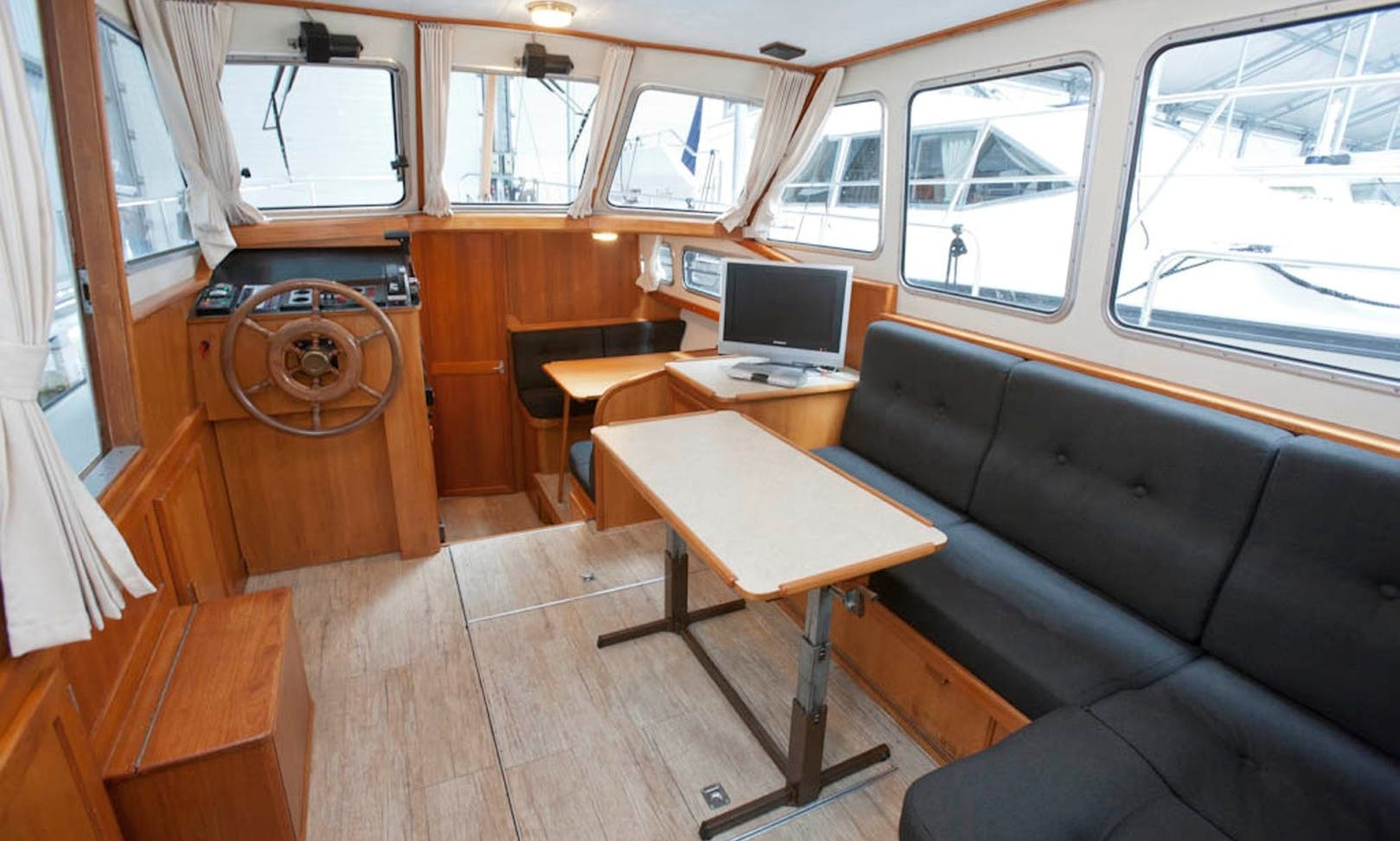 """See the Netherlands on 34' Motor Yacht Hire """"Sirius"""""""