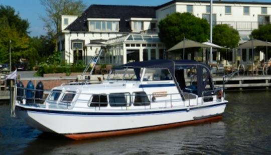 Rent 28' Waterman Motor Yacht In Friesland, Netherlands