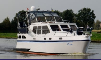 Charter 36' Orion Motor Yacht - Houseboat in Friesland, Netherlands