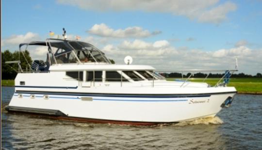 Charter 36' Saturnus 2 Motor Yacht In Friesland, Netherlands