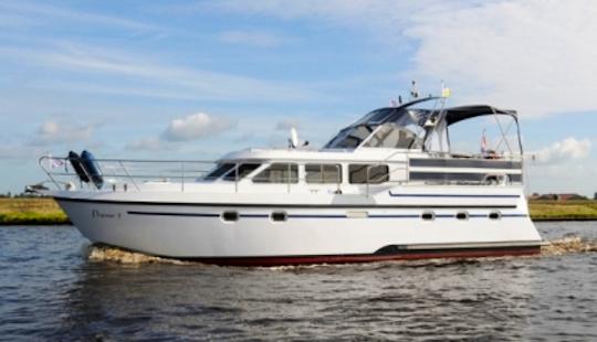Charter 39' Pegasus 3 Motor Yacht - Houseboat In Friesland, Netherlands