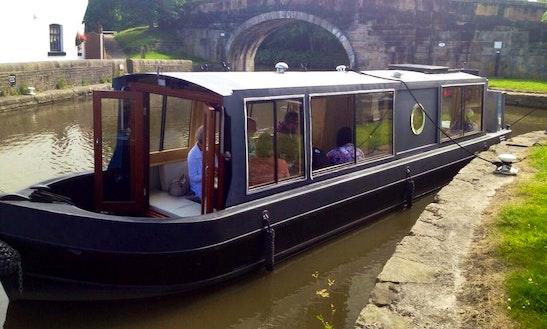 Hire An Alfie Bhoy Canal Boat In Lathom, England