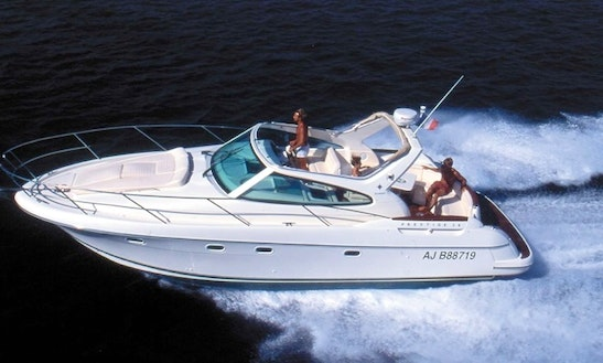 Private Chartered Luxury Power Cruiser Boat (34ft) Sydney Harbour