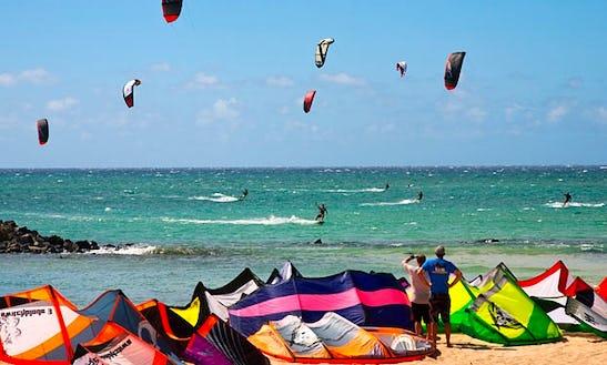 Learn Kiteboarding In Kahului, Hawaii