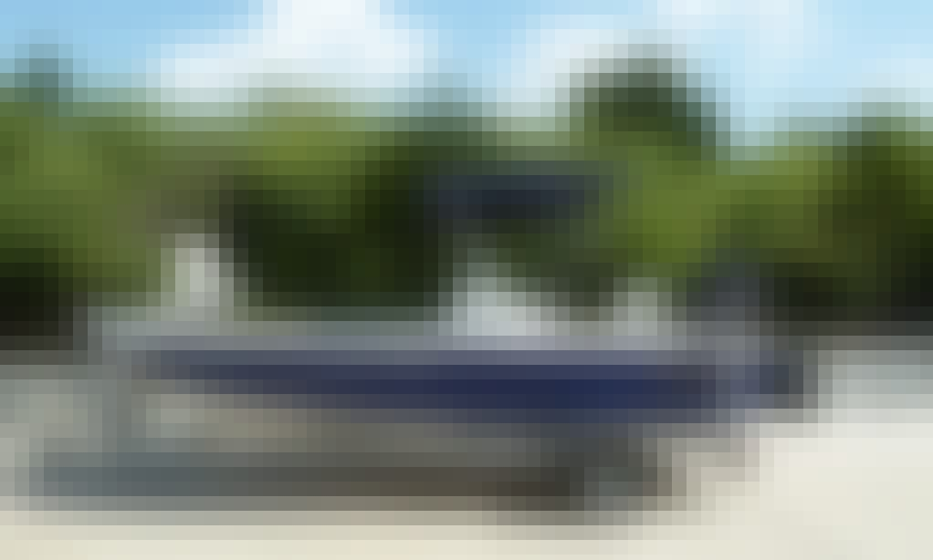 20ft Center Console Boat Rental In Miami, Florida