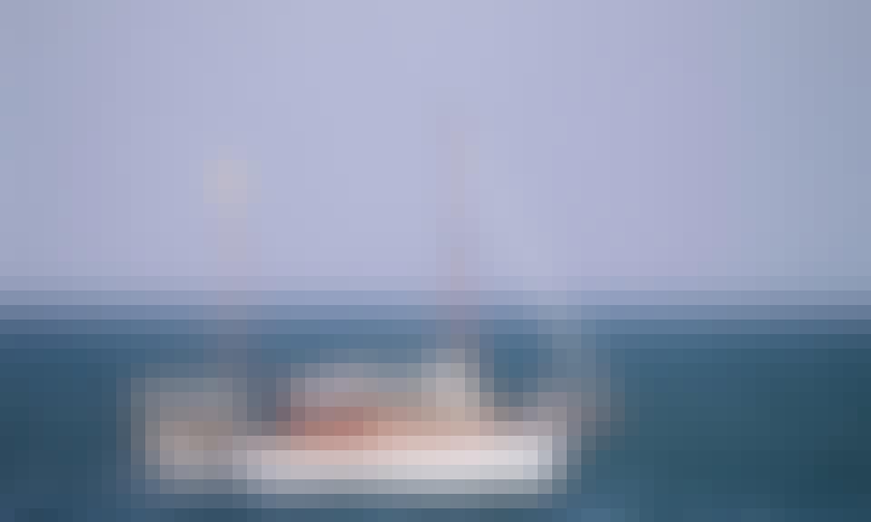 """Cruising Setúbal on """"Cachondo"""" Sailing Yacht"""
