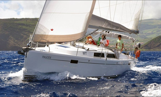 37 Hanse 385 Sailboat