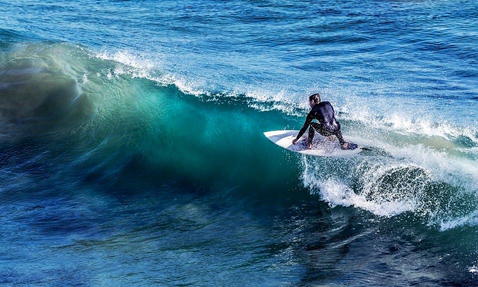 Awesome Surf Lessons in Hikkaduwa, Sri Lanka