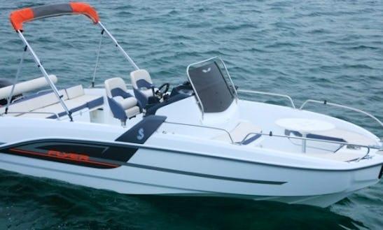 Rent Beneteau Flyer 6.6 Spacedeck Boat In Barcelona, Spain