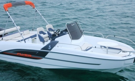 Rent Beneteau Flyer 6.6 Spacedeck Boat In Barcelona, Spain