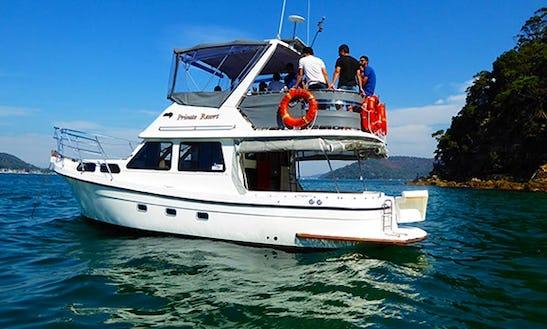 Charter 35' Resort Motor Yacht In Pittwater, Australia