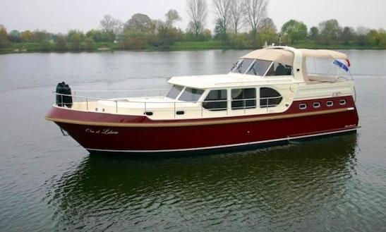 Charter 46' Motor Yacht In Tholen, Zeeland