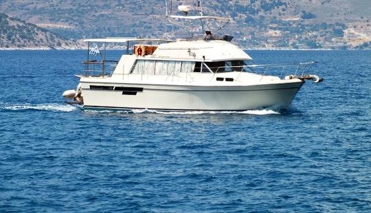 Bayliner 4050 Bodega Motor Yacht Charter In Pireas, Greece