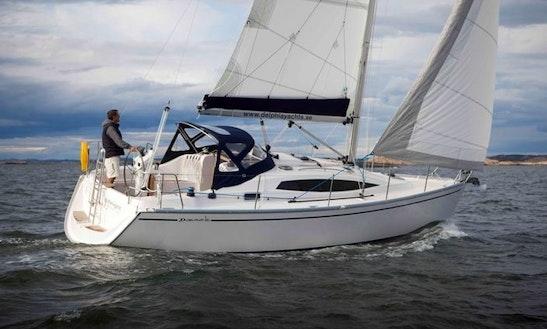 Charter 33' Cruising Monohull In Svolvær, Norway