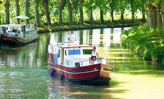 Charter the Burgundy 1200 Canal Boat in Capestang, France
