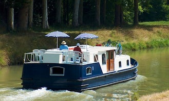 Charter the EuroClassic 139 Motor Yacht in Capestang, France