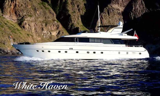 82ft White Yacht Haven In Porto Santo Stefano, Toscana