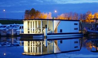 Homeboat Stay In Nieuwpoort, Belgium