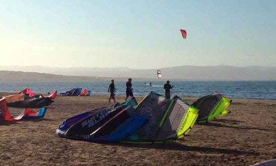 Kiteboarding Lesson In Paracas, Peru