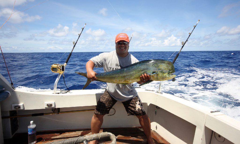 charter fishing in honolulu hawaii with captain tony