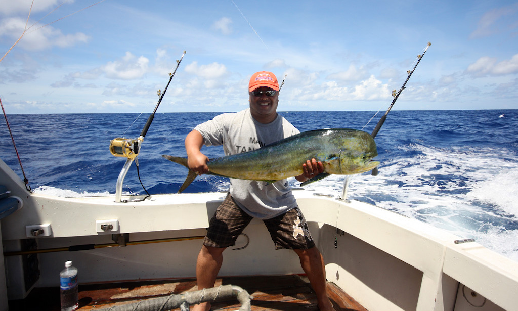 Charter fishing in honolulu hawaii with captain tony for Hawaii fishing charters