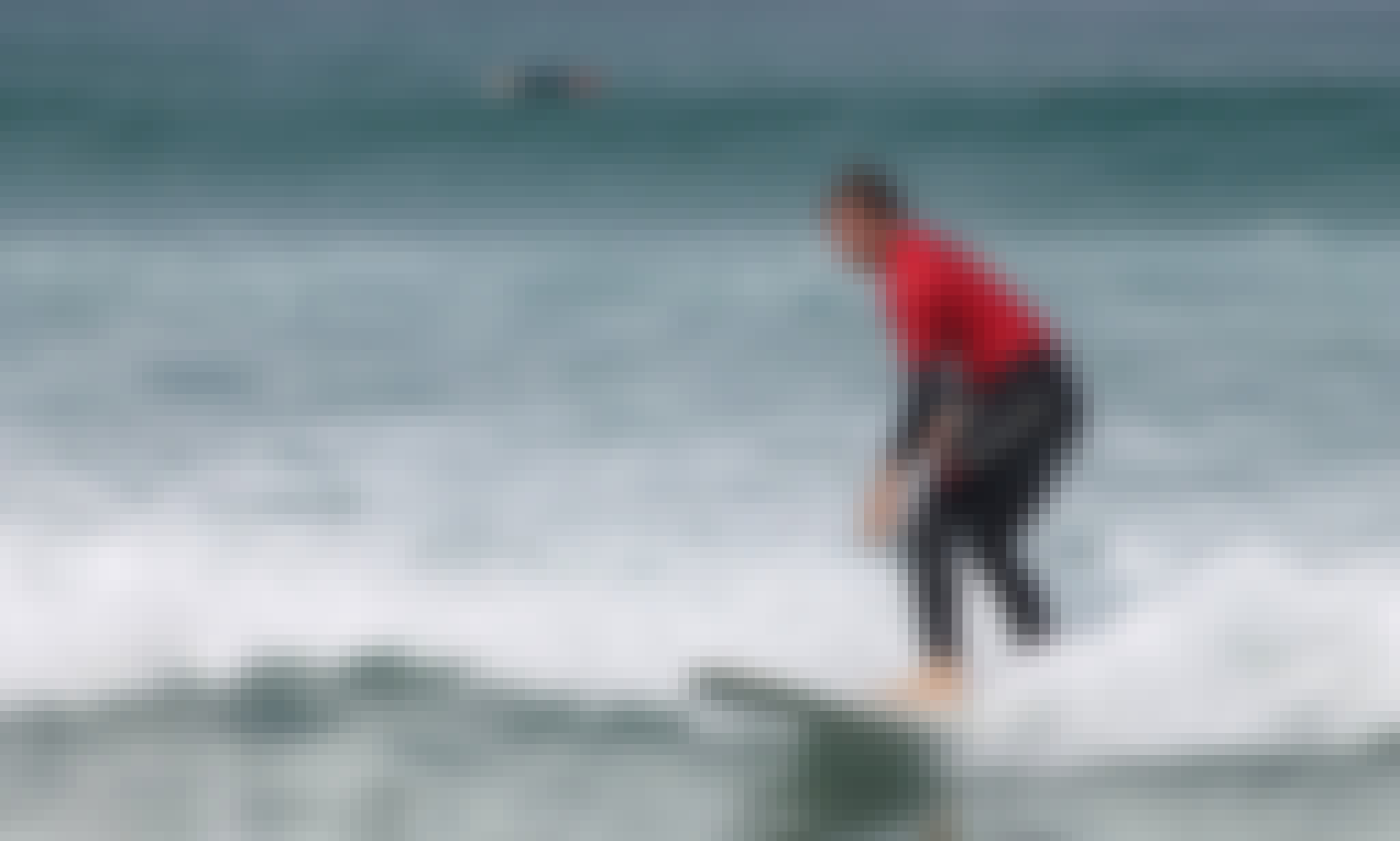 Play with waves - Surf lessons offered in Canarias, Spain