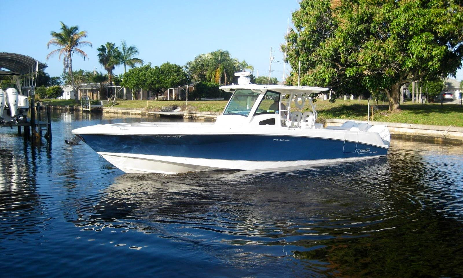 Brand New Boston Whaler 370 Outrage - 11 People