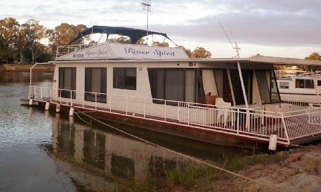 Hire River Spirit House Boat in Morgan, South Australia